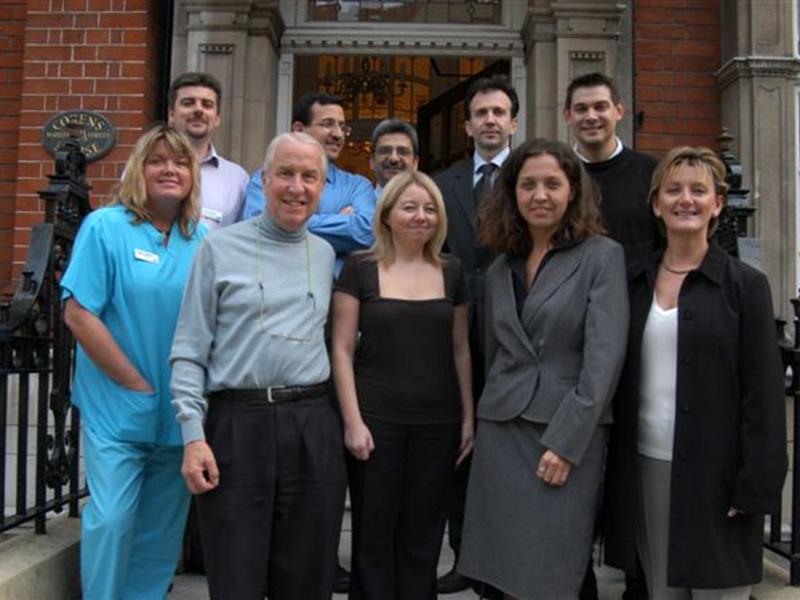Μαζί με τον Καθηγητή και πρωτοπόρο στην εξωσωματική IAN CRAFT στο London Fertility Center